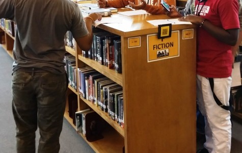 Freshmen Students Learn to Use Library Resources