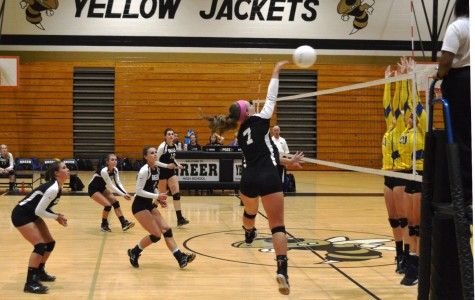 Yellow Jackets Fall to Eagles in Volleyball Match