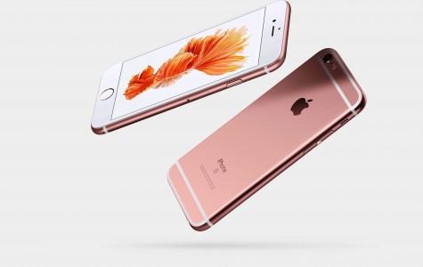 iPhone Dominates Smart Phone Discussion