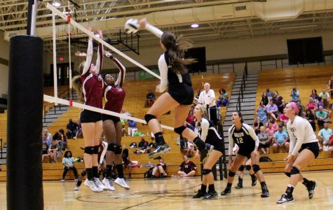Yellow Jackets Sweep Past West-Oak in Non-Conference Volleyball Matchup