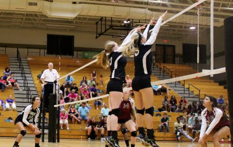 Yellow Jackets Sweep Past Devildogs in Volleyball Action