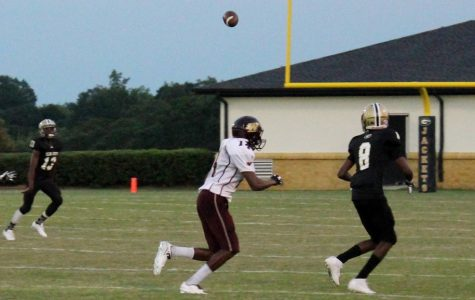 Yellow Jackets Edge Wolverines, 13-8, in JV Football Action
