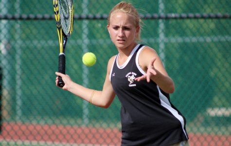 Yellow Jackets Swat Tigers for First Conference Tennis Victory