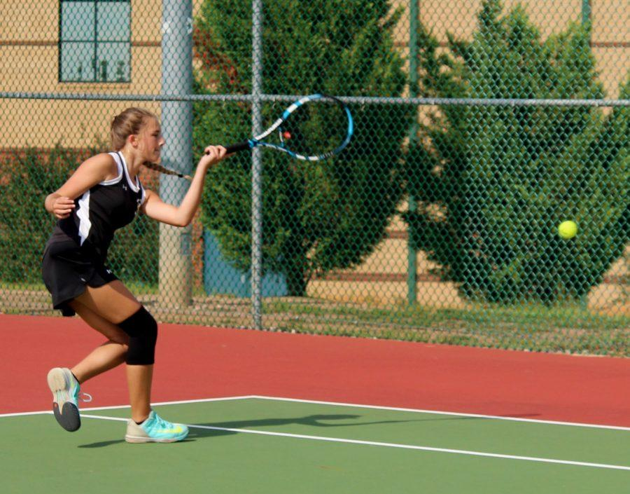 Greer+High+School+sophomore+Hannah+Henline+returns+a+serve+in+a+recent+match.+The+Yellow+Jackets+defeated+Blue+Ridge+High+School%2C+6-1%2C+Wednesday+in+the+final+match+of+the+regular+season.