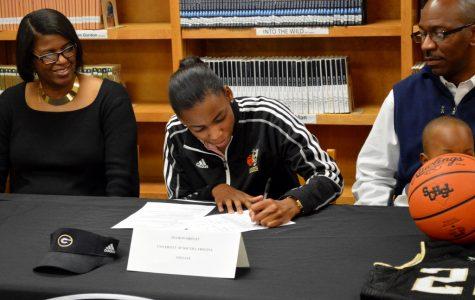 Shiflet Signs to Play Basketball at USC Upstate