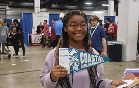 Greer High Juniors Attend College Fair